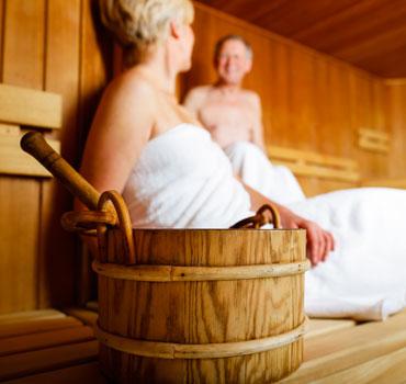 https://media.ferienparkspecials.de/images/cms/20210308-fsde-hp-inspiration-sauna-6049f7b703f1d.jpg